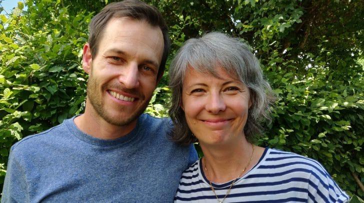 Die Pastoren Gottfried und Sibylle Knirsch heißen Menschen aller Glaubensrichtungen im GospelHouse willkommen.