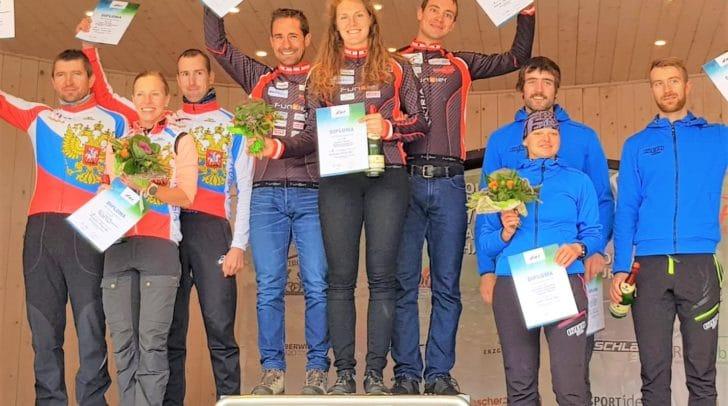 Die Siegermannschaft feierte ihren Weltcupsieg.