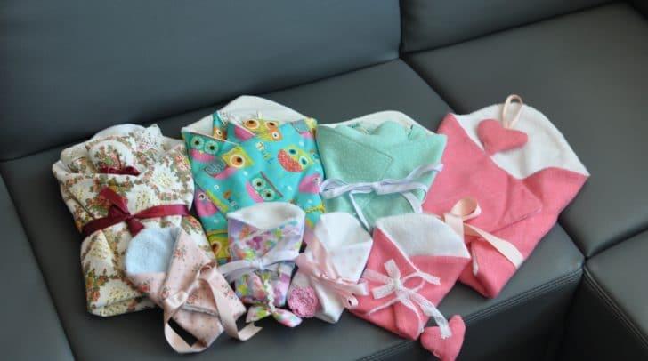 Die Sternenkinderkleidung wird seit Jahren von ehrenamtlichen in Heimarbeit gefertigt.