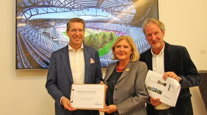 Präsentierten die FOR FOREST Medienanalyse: Bürgermeisterin Dr. Maria-Luise Mathiaschitz, Mag. Florian Laszlo (Observer) und Mag. Helmuth Micheler (Tourismusverband Klagenfurt am Wörthersee).