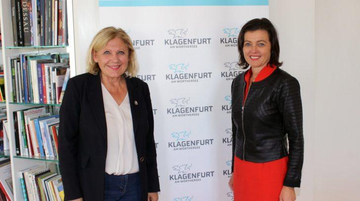 Bürgermeisterin Dr. Maria-Luise Mathiaschitz begrüßte Honorarkonsulin Mag. Paola Strozzi im Rathaus.