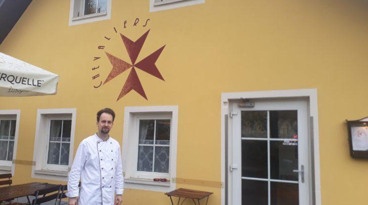 Der neue Inhaber Jürgen Felfernig schwingt hier selbst den Kochlöffel.