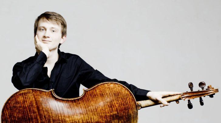 Benedict Kloeckner am Violoncello.