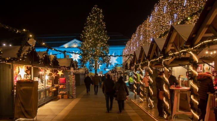 Gedreht wird am Christkindlmarkt in Klagenfurt.