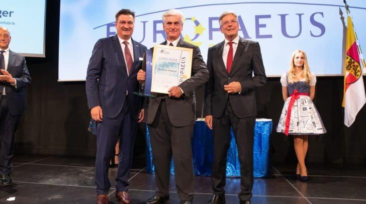 """Den """"Europaeus"""" in der Kategorie """"Wirtschaft – Internationalisierung/Pioniere"""" erhielt der Unternehmer Pionier Hansjörg Springer."""