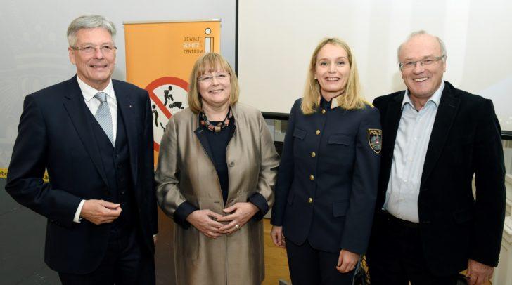 LH Dr. Peter Kaiser.LH Dr. Peter Kaiser, Mag. Roswitha Bucher, LPD Dir. Dr. Michaela Kohlweiß, Univ.Prof.Dr.med. Reinhard Haller.