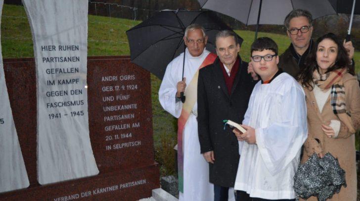von links: Diakon Kofler, Bürgermeister Vouk, Ministrant Schwarz, Arch. Karl Vouk, Festrednerin Andrina Mracnikar