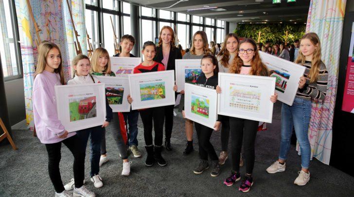 Die GewinnerInnen des Malwettbewerbs durften die ÖBB in Wien erleben.