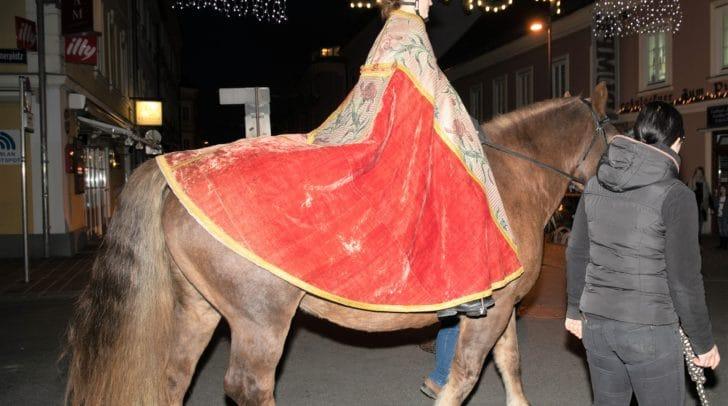 Am 11. November wird der hl. Martin die Kinder auf einem echten Pferd am Benediktinerplatz begrüßen.