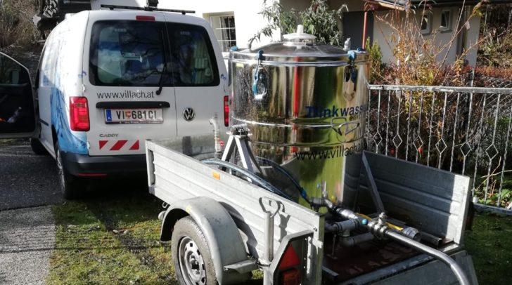 Villach hilft mit Trinkwasser in Finkenstein aus.