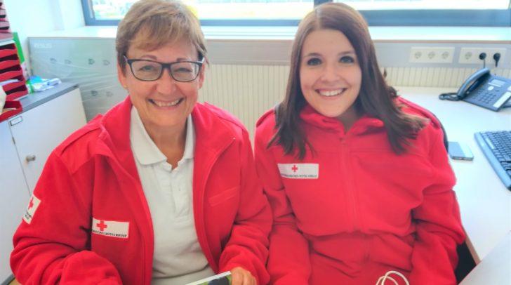 Bezirkskoordinatorin Anja Fugger-Oberluggauer und Stellvertreterin Claudia Krainer vom Roten Kreuz.