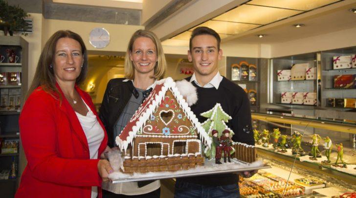Katharina Rainer-Valtiner mit Sohn Christoph und WK-Vizepräsidentin und FiW-Landesvorsitzende Carmen Goby.