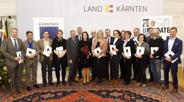 Zertifikatsverleihung an Absolventen der Kärntner Verwaltungsakademie durch LH Peter Kaiser und Heinz Ortner