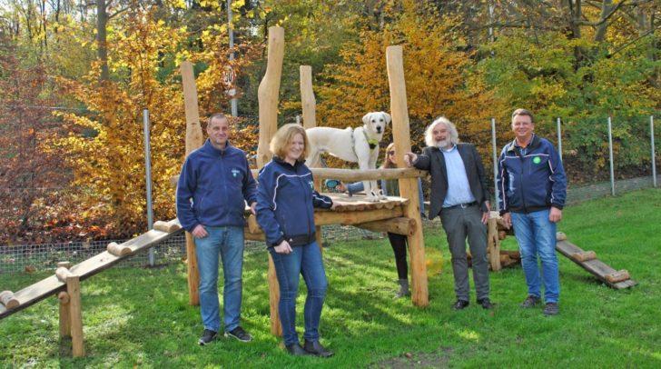Das Team der Abteilung Stadtgarten mit Robert Passegger, Gabriele Hopfgartner, Leonard Wallisch und Stadtrat Frank Frey.