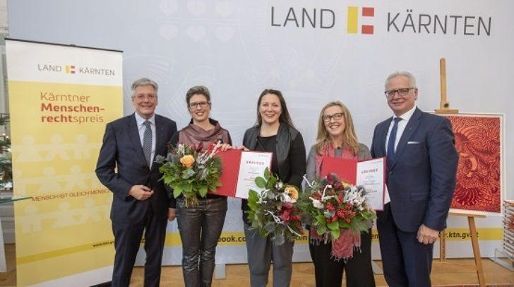 LH Peter Kaiser gratuliert mit Landtagspräsidenten Reinhart Rohr den Preisträgerinnen Ina Loitzl, Tanja Prusnik und Ulrike Loch.