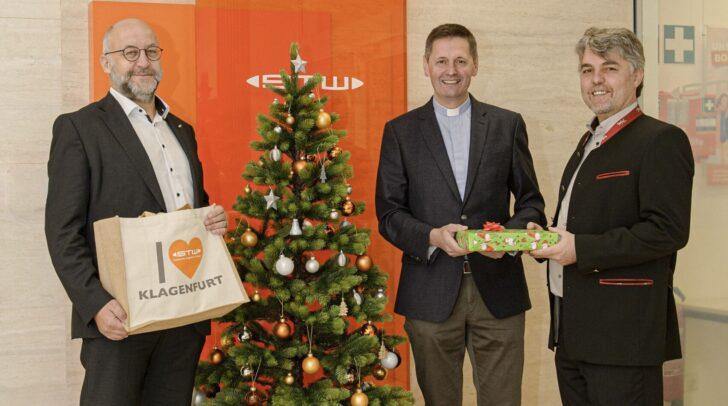 v.l.n.r.: STW-Vorstand Erwin Smole, Dompfarrer Peter Allmaier und STW-Vorstand Harald Tschurnig