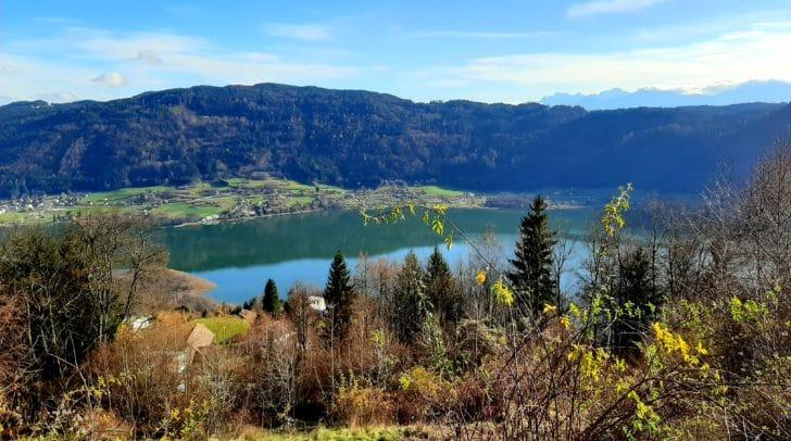 Hier entsteht das Wohnobjekt: Berge, der See, bezaubernde Natur – alles vor der Haustüre