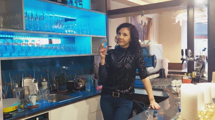 Inhaberin Nicole Jabrane in ihrem Cafe Arte Lokal.