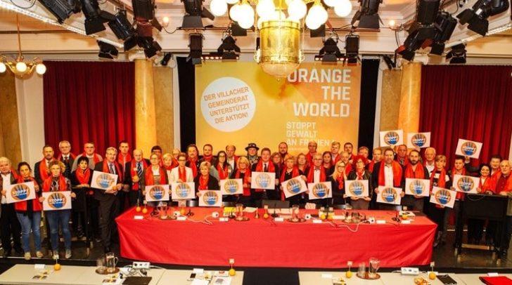 Der Villacher Gemeinderat setzt ein gemeinsames Zeichen gegen Gewalt an Frauen.