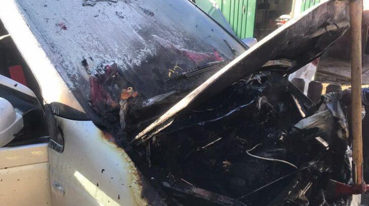 Ein defekter Heizlüfter setzte den PKW in Brand.