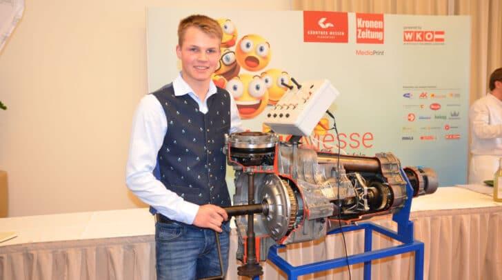 Die FBS Villach 2 präsentiert ein Funktionsmodell eines Direktschaltgetriebes, ein Projekt des Lehrlings Christoph Ulbing vom Autohaus Wiegele in Villach.