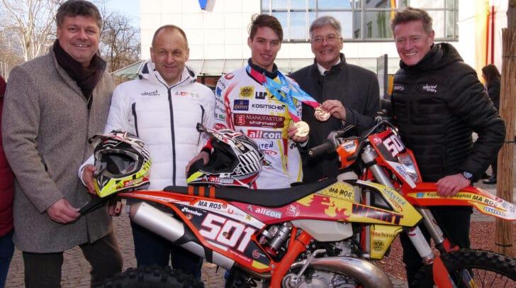Am Bild v.l.: Bürgermeister Gerhard Pirih, Motorsportass Werner Müller, Philip Hoffmann, LH Peter Kaiser, Arno Arthofer, Landessportdirektor