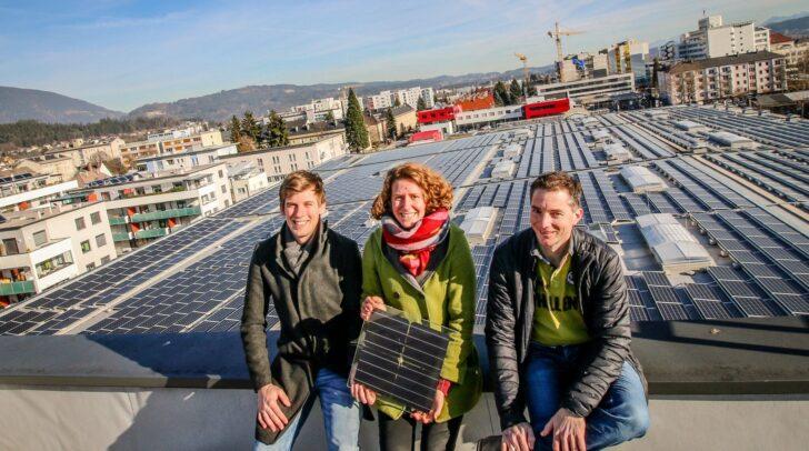 Seit 2019 wandelt eine 5.400 Quadratmeter große Photovoltaikanlage auf dem Dach der Villacher Brauerei die Sonne in Strom um.