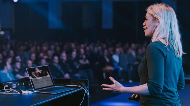 """Bei der von Dynatrace organisierten Konferenz """"DevOne"""" in Linz sprechen internationale Vortragende vor rund 600 Konferenzteilnehmern."""