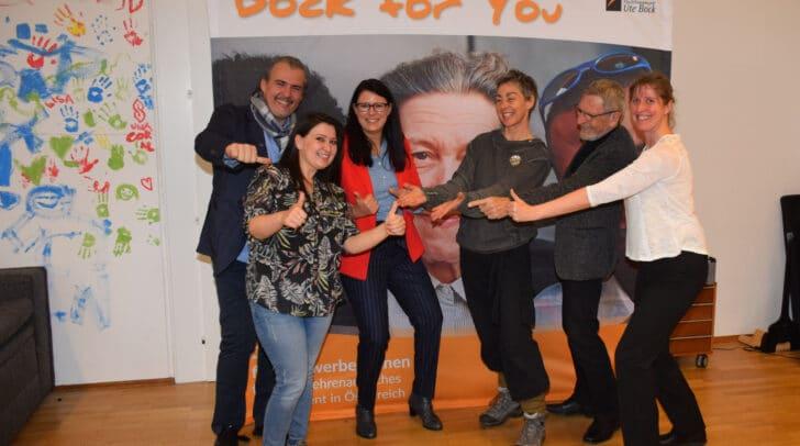 Thomas Eminger (Flüchtlingsprojekt Ute Bock), Aytac Nagiyeva (Preisträgerin, Verein VOBIS), LR.in Sara Schaar, Klaudia Ahrer, Erich Göbel, Maja Dietrich, (alle VOBIS).