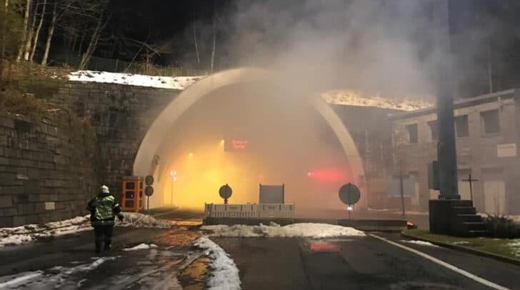 Aktuell findet ein Brandeinsatz beim Loibltunnel statt.