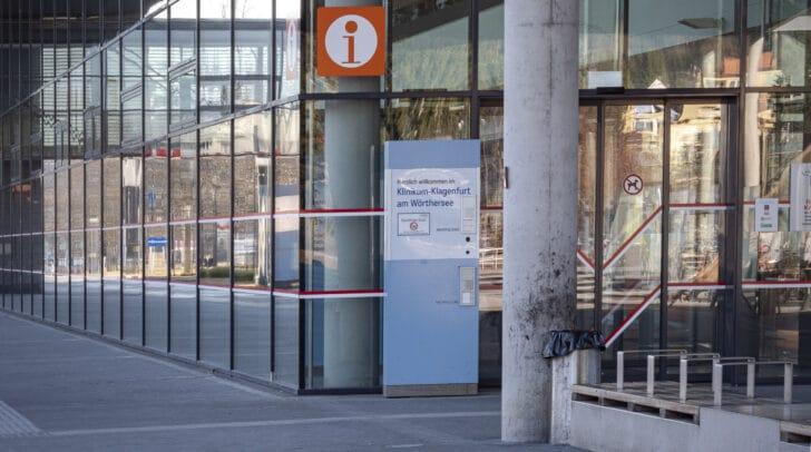 Die verletzte Villacherin wurde von der Rettung in das Klinikum Klagenfurt gebracht.