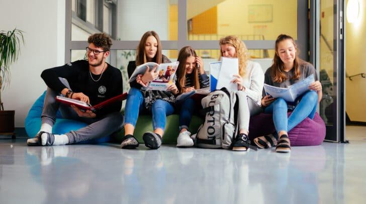 Die SchülerInnen haben nach fünf Jahren Ausbildung an der HLSP nicht nur die Matura, sondern auch einen Berufsabschluss in der Tasche.