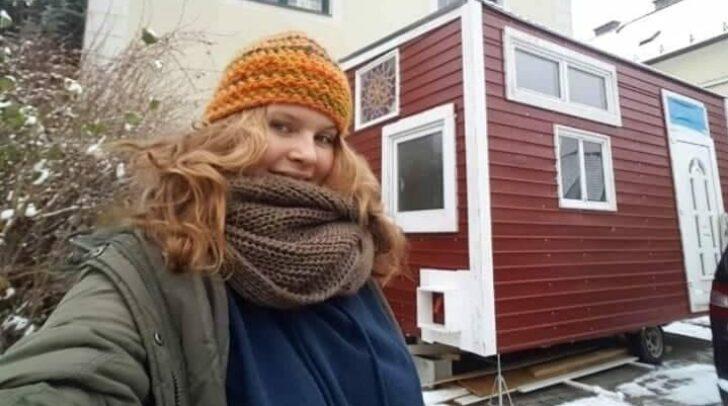 Seit etwa einem Monat lebt Maria in ihrem eigenen Häuschen.