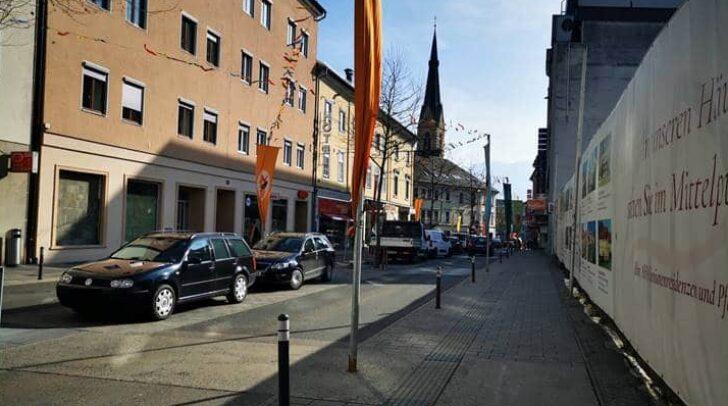 Seit Anfang des Jahres 2018 steht die Geschäftsfläche, am Bild links, bereits leer. Zuvor war sie 60 Jahre lang die Meister-Werkstätte von Uhren Pirker.