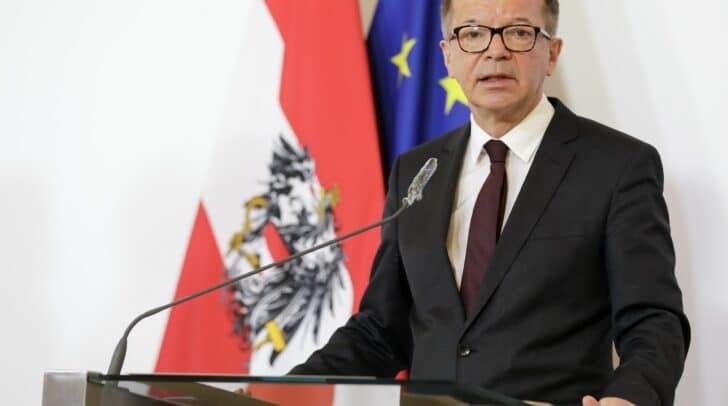 Gesundheitsminister Rudolf Anschober informierte heute in einer Pressekonferenz über die aktuelle Corona Situation.