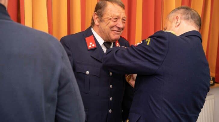 Einige Kameraden wurden vom Bürgermeister angelobt oder geehrt.