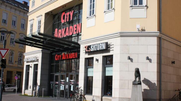 Zwei Geschäfte in den Klagenfurter City Arkaden haben seit kurzem geschlossen.
