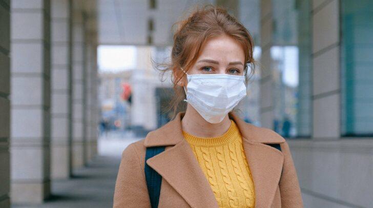 Sobald die Masken an den Eingängen von Supermarktketten verteilt werden, darf dort nur noch mit Atemschutz eingekauft werden.