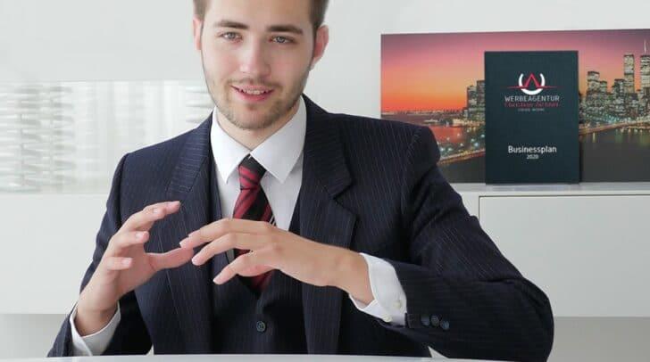 Der 21-jährige Villacher Christian Aichner ist Schüler an der HTL-Villach, an der er nächstes Jahr maturiert und studiert nebenbei an der Alpen-Adria Universität Klagenfurt.