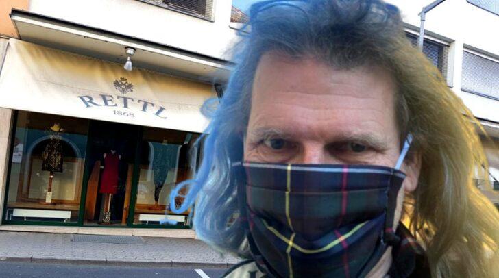 Thomas Rettl möchte sein Geschäft am Montag wieder aufsperren, um dort Schutzmasken zu verkaufen.