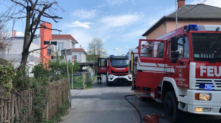 Gemeinsam mit der FF Viktring entlüfteten die Einsatzkräfte der FF Hauptwache Klagenfurt den stark verrauchten Keller.