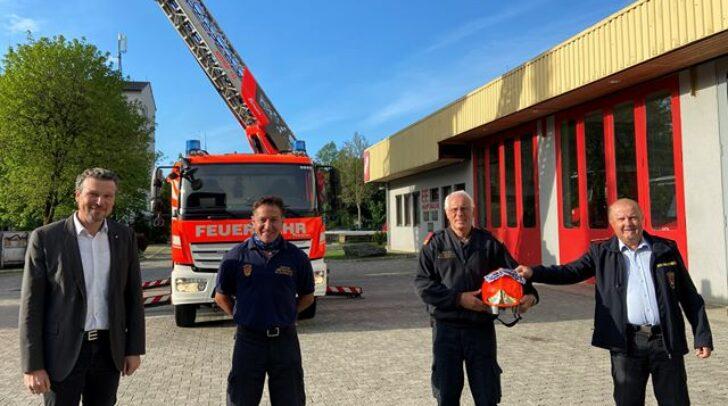 v.l: Vizebürgermeister Wolfgang Germ, Branddirektor-Stellvertreter Helmut Unterluggauer, Offizier Sommer Otto und Branddirektor Gottfried Strieder