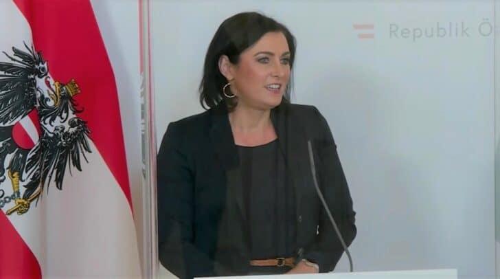 Tourismusministerin Elisabeth Köstinger