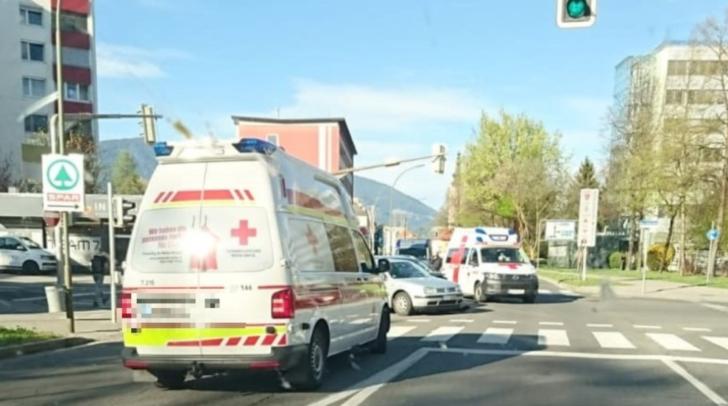 Auf der Ossiacher Zeile ist es vor kurzem zu einem Verkehrsunfall gekommen.