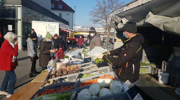 Am Villacher Wochenmarkt herrscht nach wie vor Maskenpflicht.