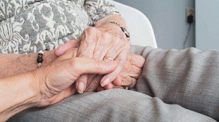 Der Besuch von Angehörigen oder Bekannten in den Kärntner Pflegeheimen wird ab 4. Mai wieder möglich sein.