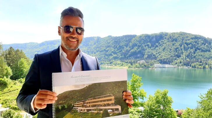 Thomas Schneeberger von Immobilien Nageler ist begeistert von der grandiosen Lage und dem Ausblick!