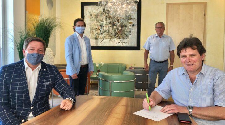 Gemeinsame Lösung gefunden: Bürgermeister Günther Albel, Magistratsdirektor Christoph Herzeg sowie die Personalvertreter Peter Wetzlinger und Franz Liposchek (v.l.)