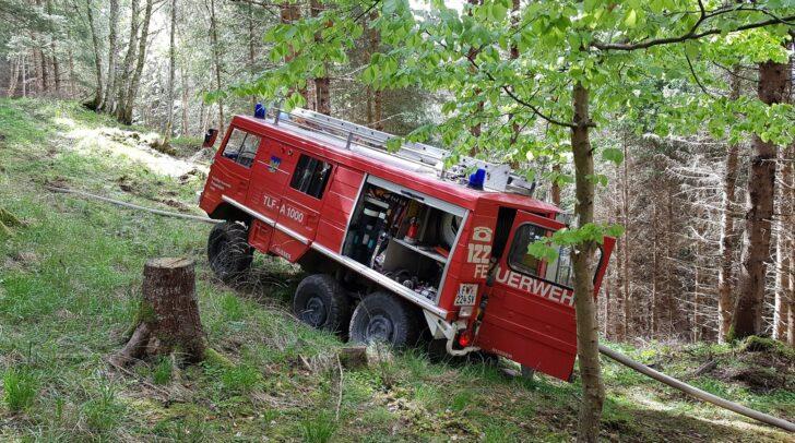 Mit dem Pinzgauer konnte der Brandherd im steilen Gelände erreicht werden.