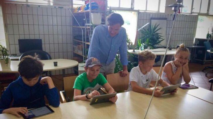 Auch in Kärnten wird es 17 Erweiterungen und Sanierungen von Bundesschulen geben.